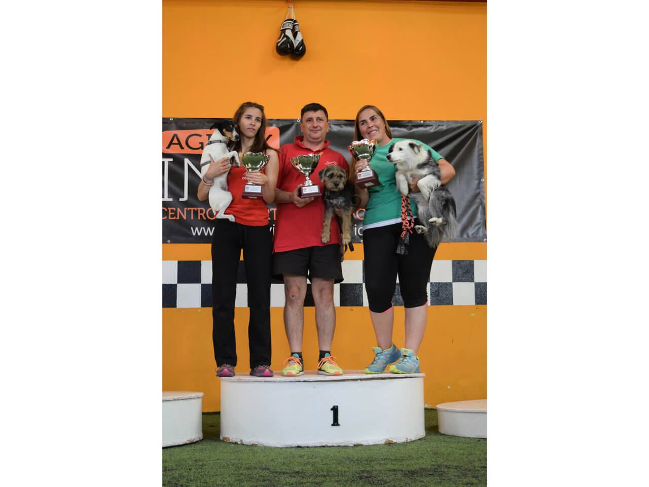 Podium Campeon Small