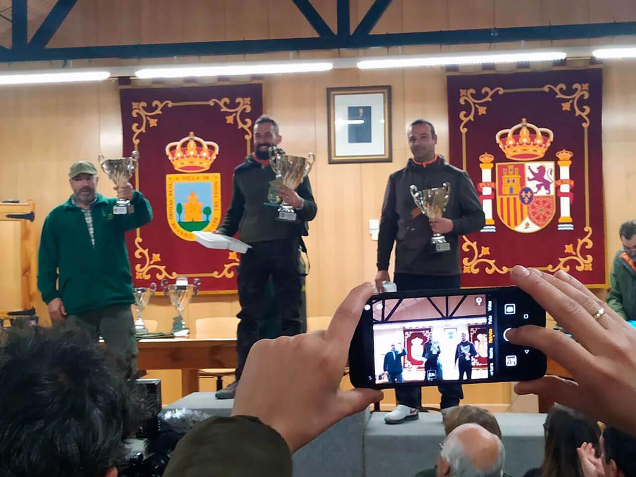 Los campeones de la Copa Presidente, modalidad Brazo Tornado, de izquierda a derecha, D. Antonio Martínez Jiménez, Tercer Clasificado, D. Antonio Martínez  Carrero, Campeón de la prueba y D. Ricardo Panadero González, Subcampeón.