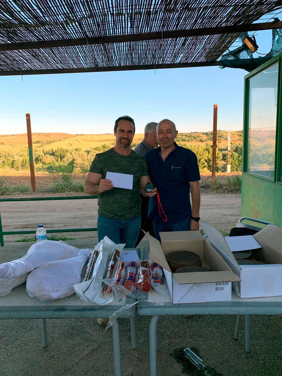 Alberto García Marina Campeón Senior, junto al Delegado de Área de la FMC, Camilo Hurtado Entenza